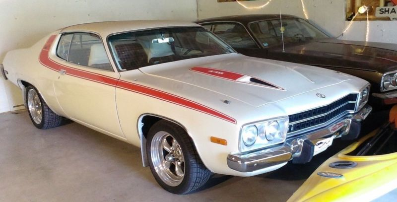 5066430288-1974-plymouth-road-runner
