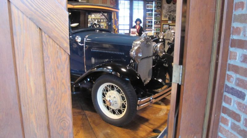2247608-1931-ford-model-a