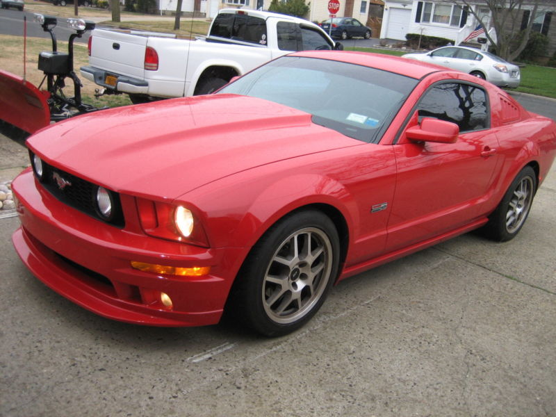 1ZVFT82H875301029-2007-ford-mustang