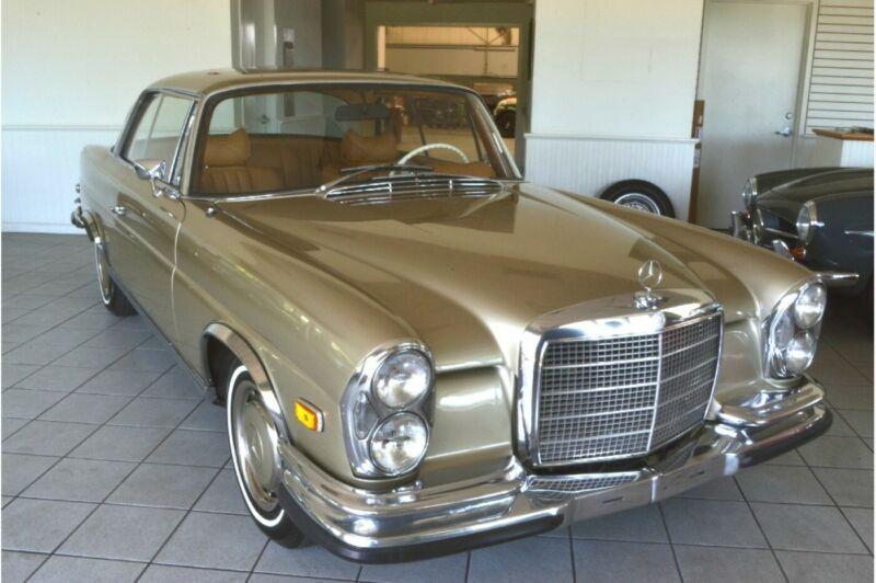 11102610000647-1971-mercedes-benz-200-series-0
