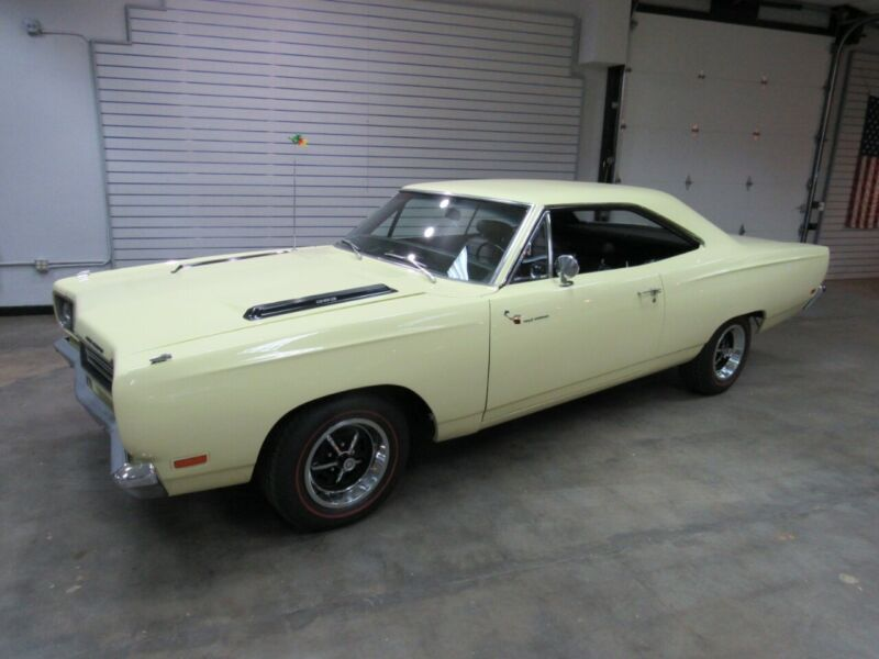 RM23H9G305401-1969-plymouth-road-runner