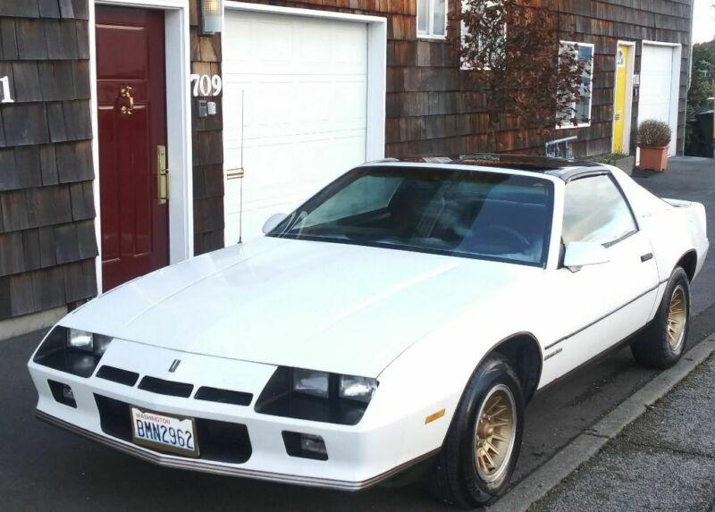 1G1AS87H8EL211535-1984-chevrolet-camaro