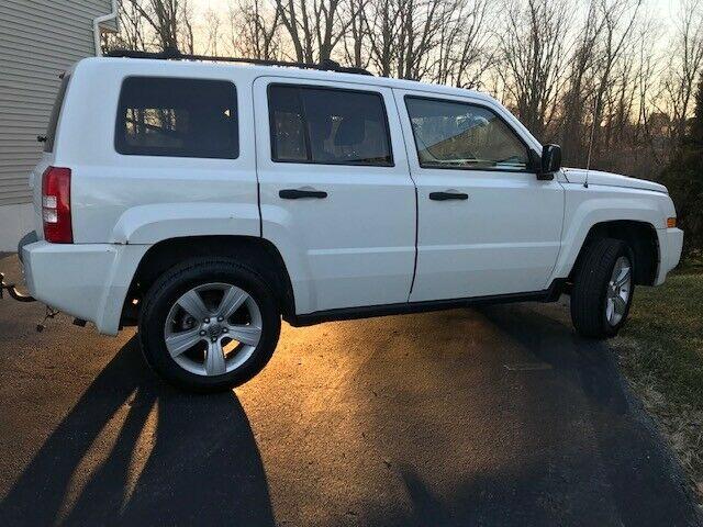 1J8FF28W08D752677-2008-jeep-patriot