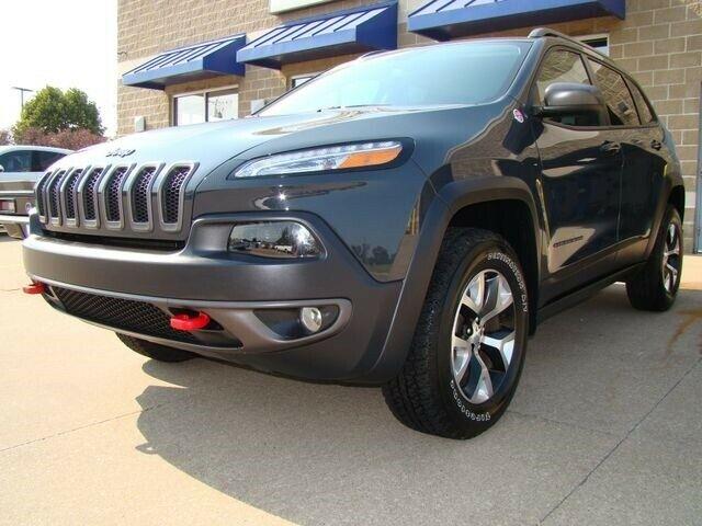 1C4PJMBB4HW528702-2017-jeep-cherokee