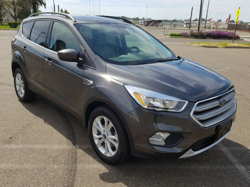 1FMCU0GD7JUD08122-2018-ford-escape