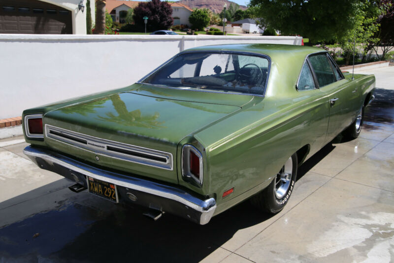 RM21H9E124912-1969-plymouth-road-runner-1