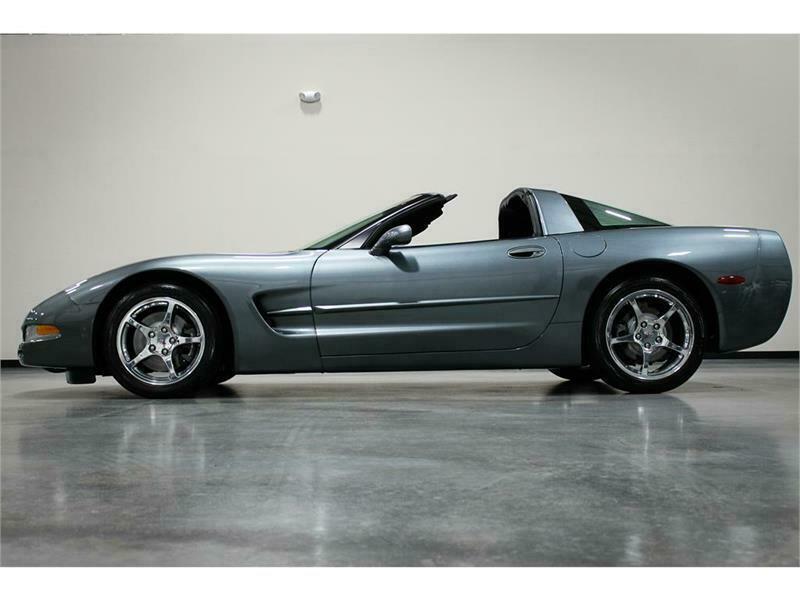 1G1YY22G735134019-2003-chevrolet-corvette
