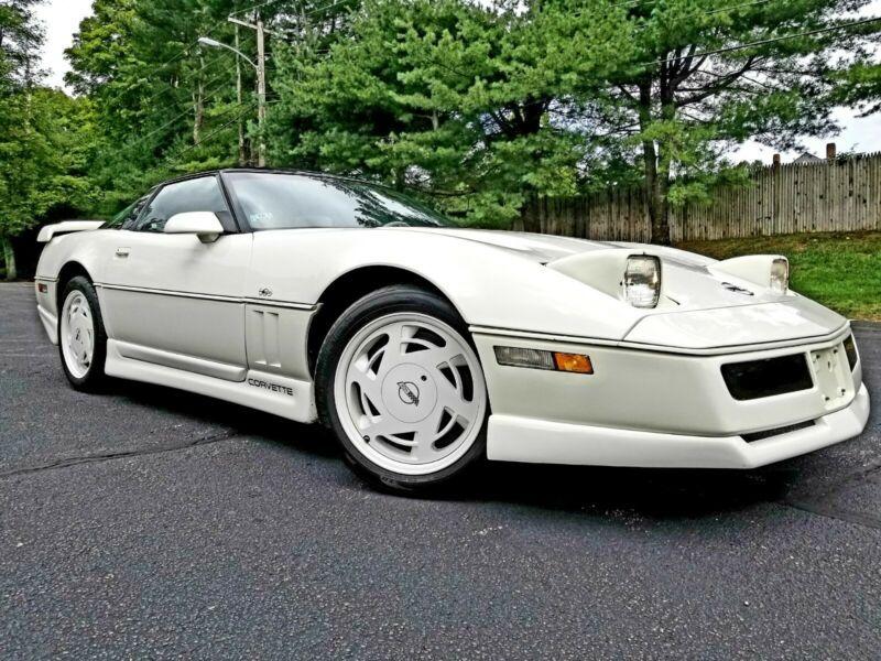 1G1YY2188J5116345-1988-chevrolet-corvette