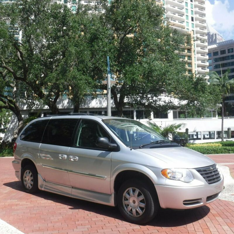 Chrysler Town And Country 2008 For Sale: 2006 CHRYSLER TOWN & COUNTRY, 2A4GP44R06R634900
