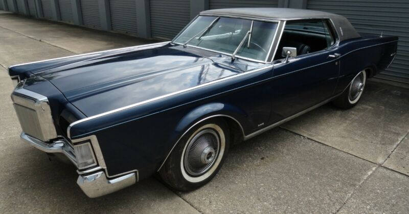 9Y89A847168-1969-lincoln-continental