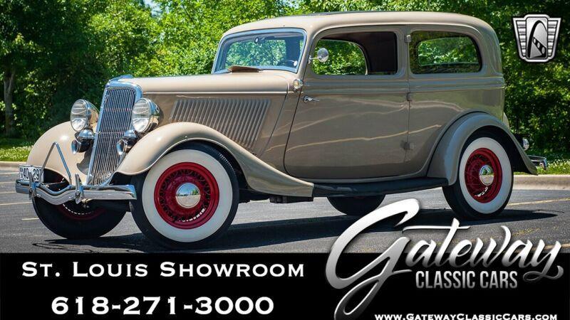 1090603-1934-ford-sedan