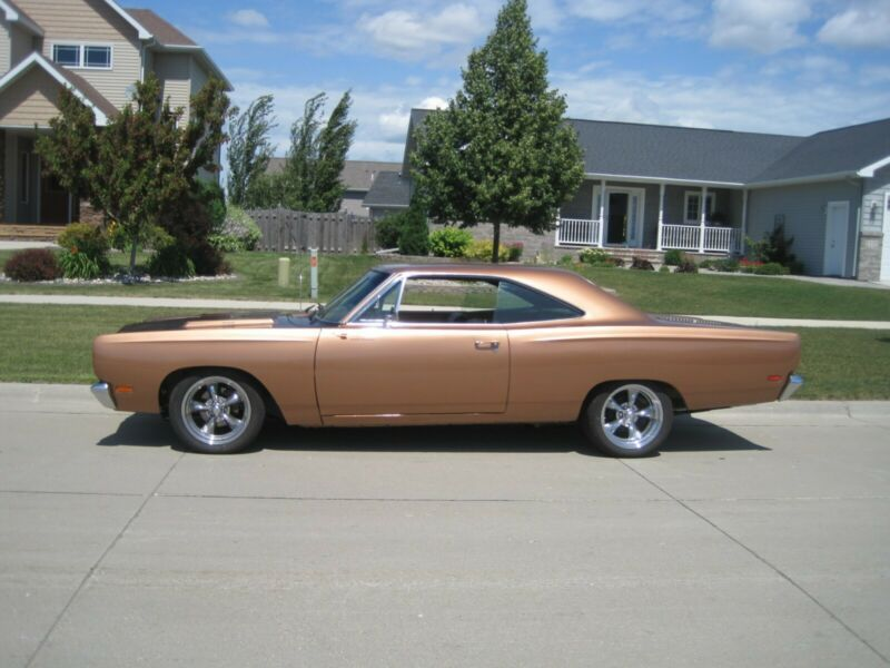 RM23H9G188954-1969-plymouth-road-runner