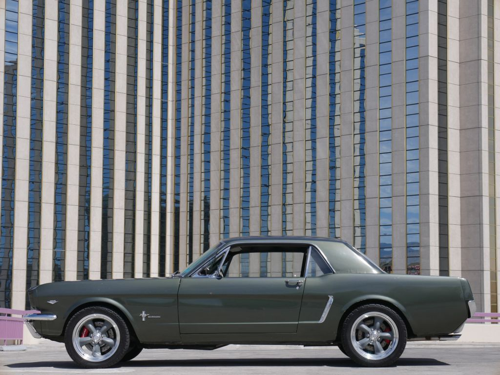 5R07T2514010-1965-ford-mustang