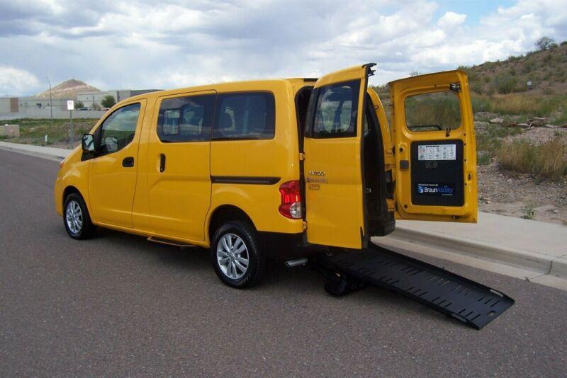 3N8CM0JTXFK720146-2015-nissan-nv200-taxi