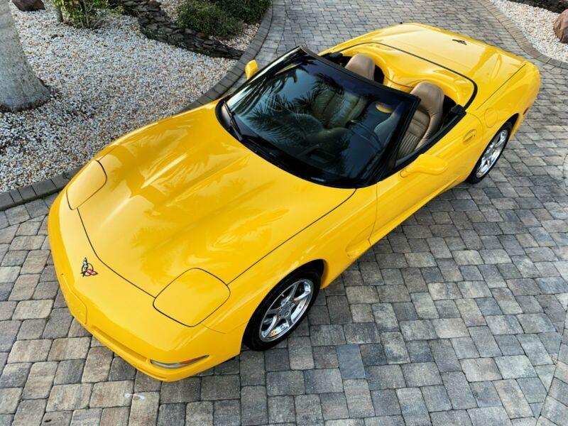 1G1YY32G125106639-2002-chevrolet-corvette