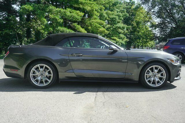 1FATP8UH1F5380992-2015-ford-mustang