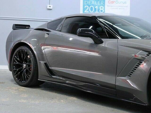 1G1YT2D6XF5601005-2015-chevrolet-corvette-2