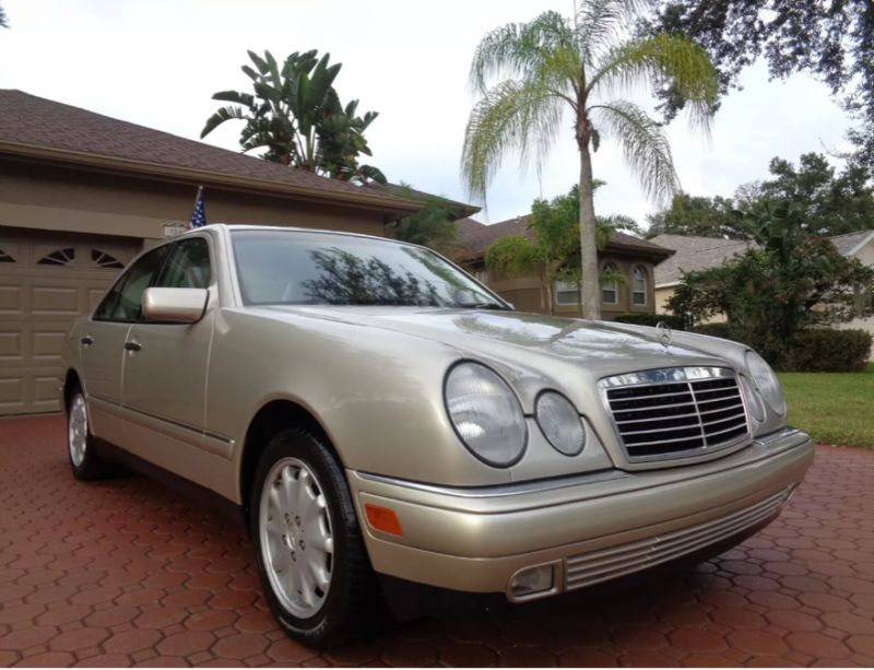 WDBJF82H8XX019707-1999-mercedes-benz-1-owner-and-like-new-1