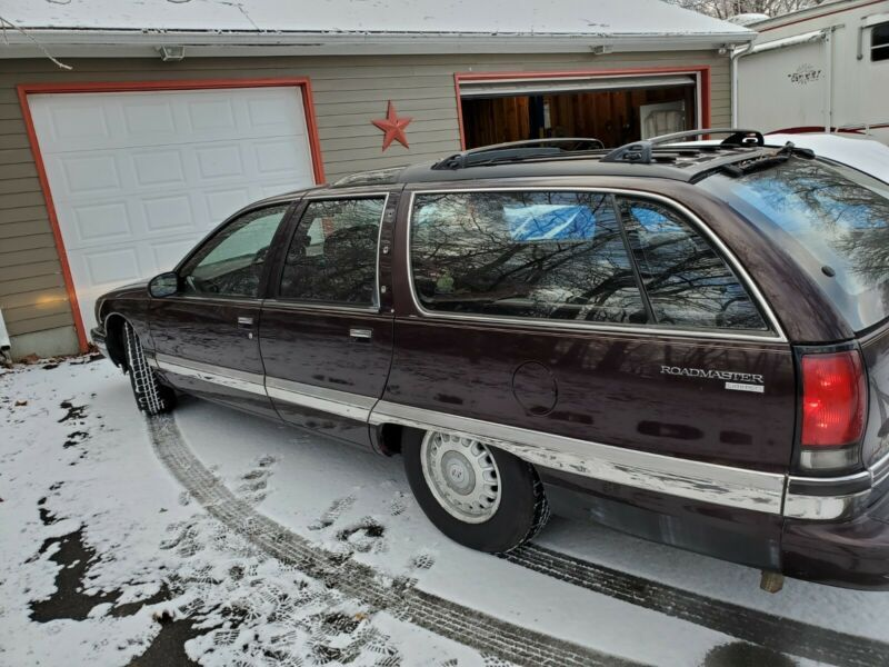 1G4BR82PXTR411585-1996-buick-roadmaster