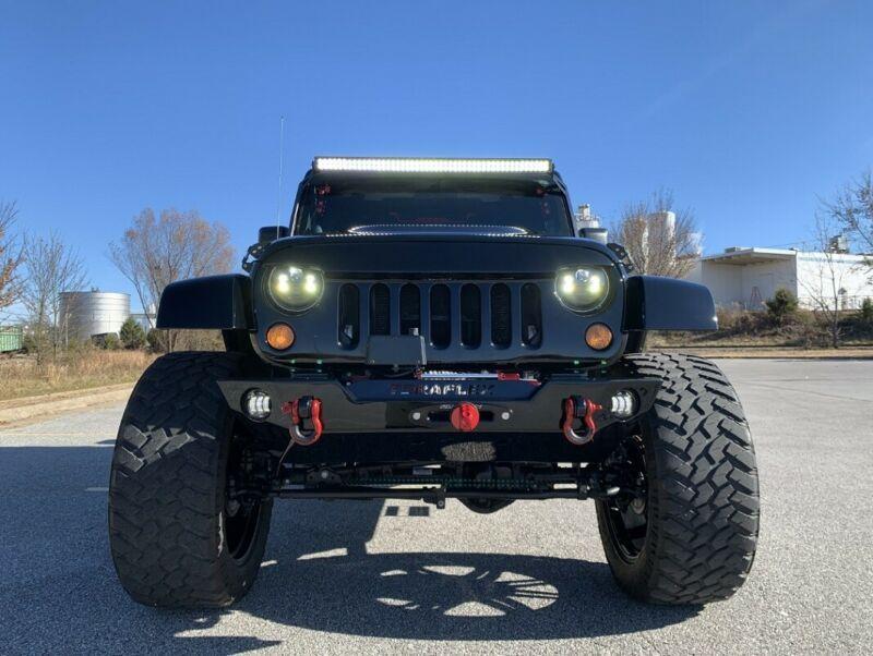 1J4HA6H19BL570011-2011-jeep-wrangler