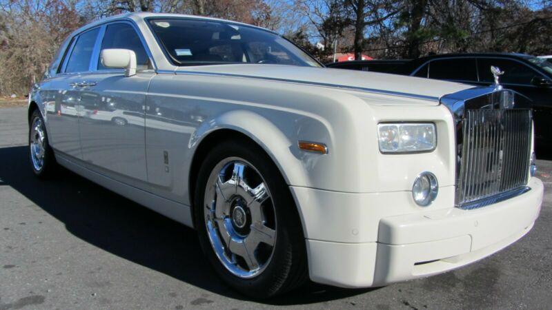 SCA1S68454UX07223-2004-rolls-royce-phantom