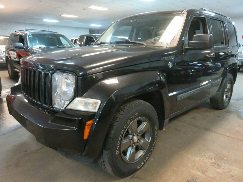 1J8GN28K38W277972-2008-jeep-liberty