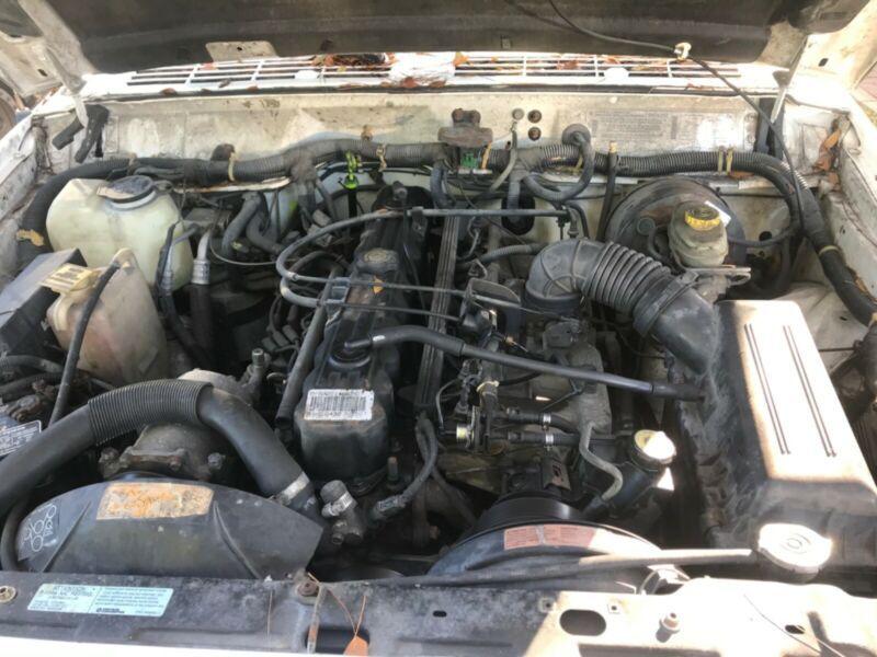 1J4FJ27S4TL111254-1996-jeep-cherokee