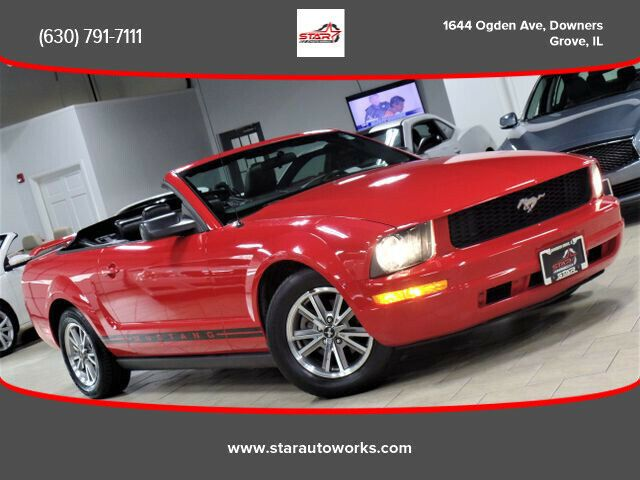 1ZVFT84N655247813-2005-ford-mustang-0