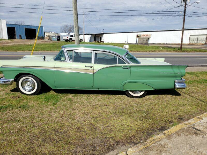 D7AT161834-1957-ford-fairlane