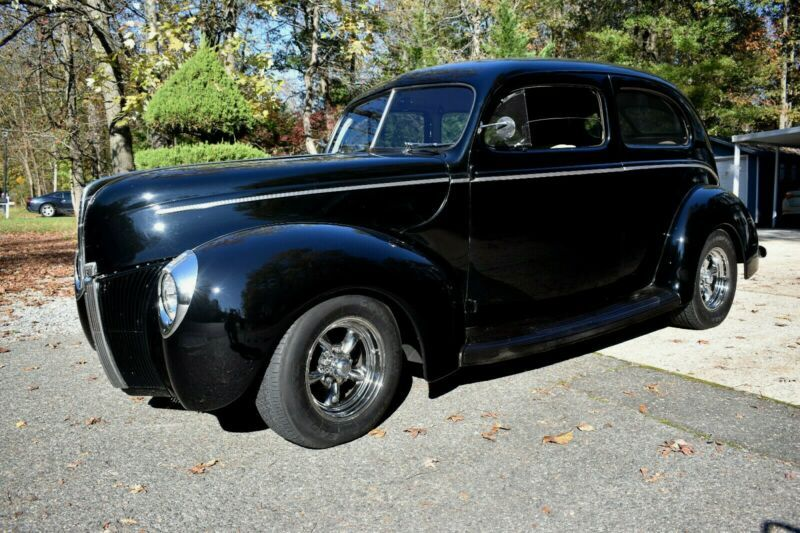 185700438-1940-ford-standard