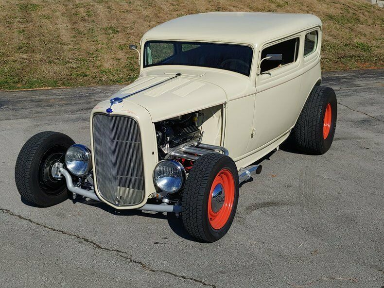 1341883-1932-ford-tudor-sedan