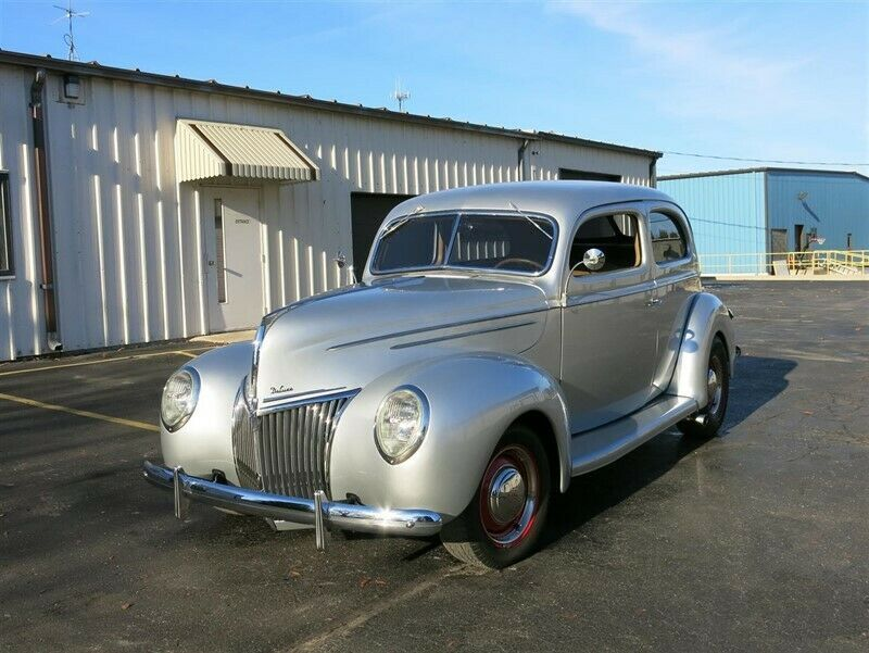 5106718-1939-ford-deluxe