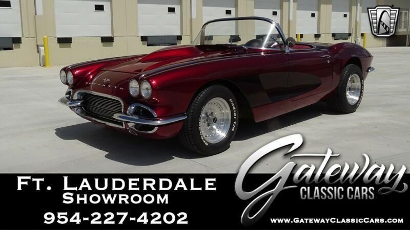 10867S101222-1961-chevrolet-corvette