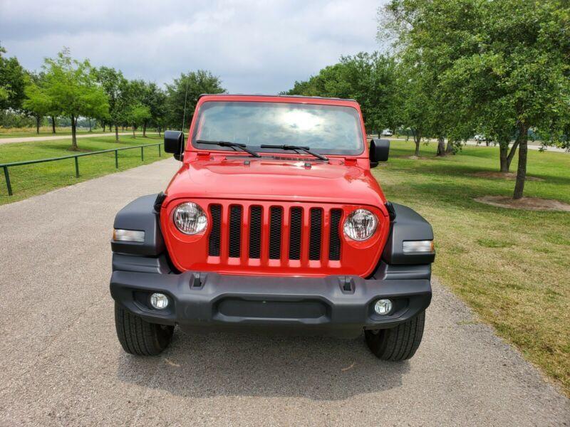 1C4HJXDG0JW287449-2018-jeep-wrangler-0