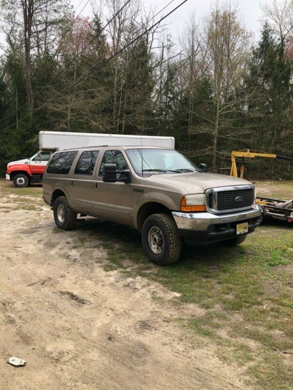 1FMSU41F0YED63349-2000-ford-excursion