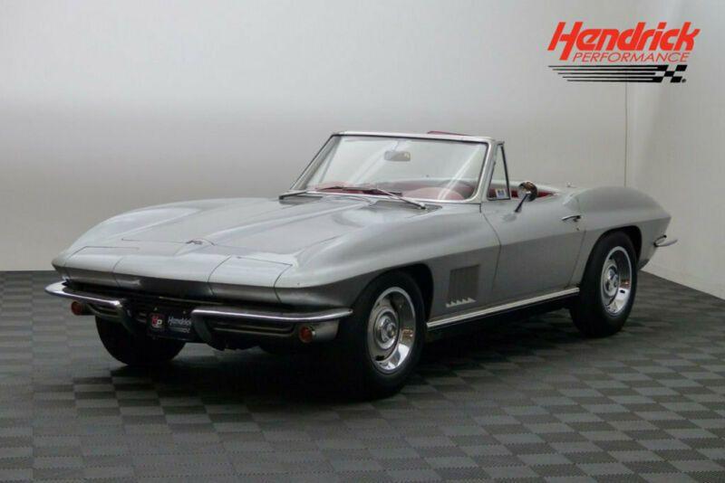 194677S104691-1967-chevrolet-corvette-0