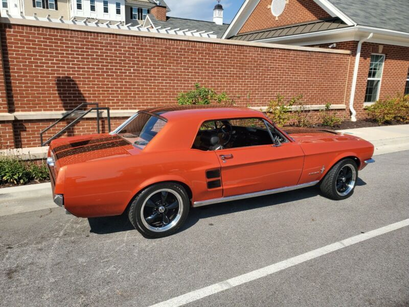 7T01C50716-1967-ford-mustang-0