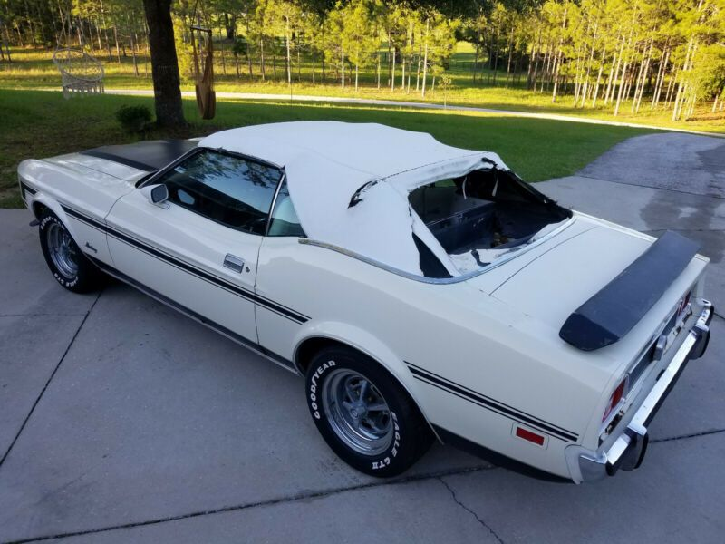 3F03F174240-1973-ford-mustang-0