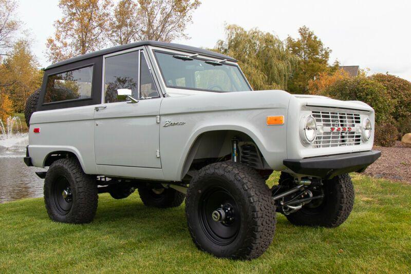 U15GLK26404-1971-ford-bronco
