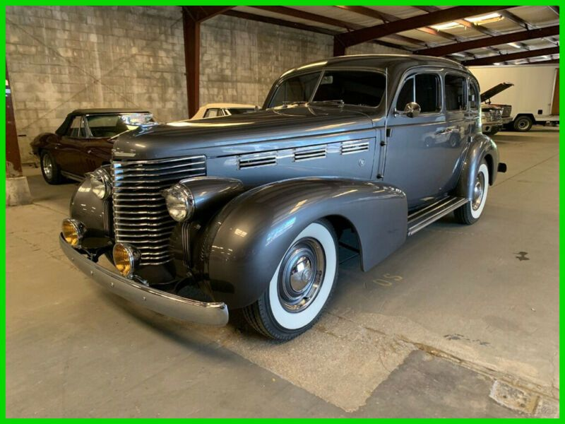 8270051-1938-cadillac-sixty-special