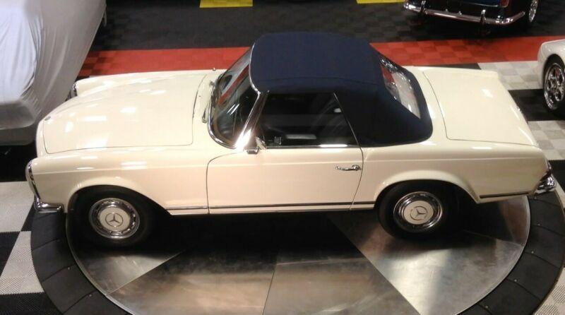 1130410001909-1967-mercedes-benz-200-series