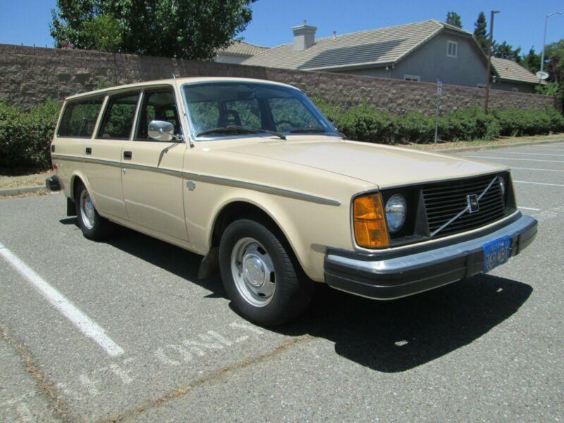 VC24545E1080065-1976-volvo-240-0