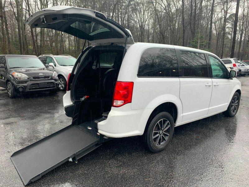 2C4RDGEGXJR159514-2018-dodge-grand-caravan
