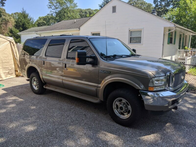 1FMNU43S02ED07782-2002-ford-excursion