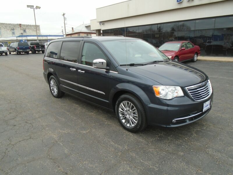 2C4RC1CGXDR622890-2013-chrysler-town-and-country