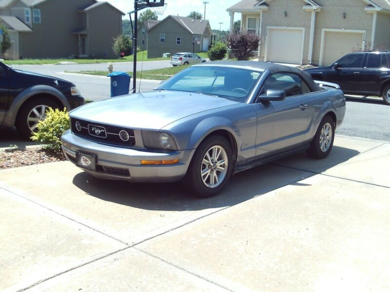 1ZVFT84N165204627-2006-ford-mustang