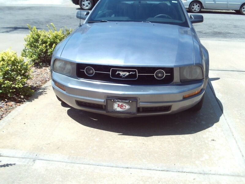 1ZVFT84N165204627-2006-ford-mustang-1