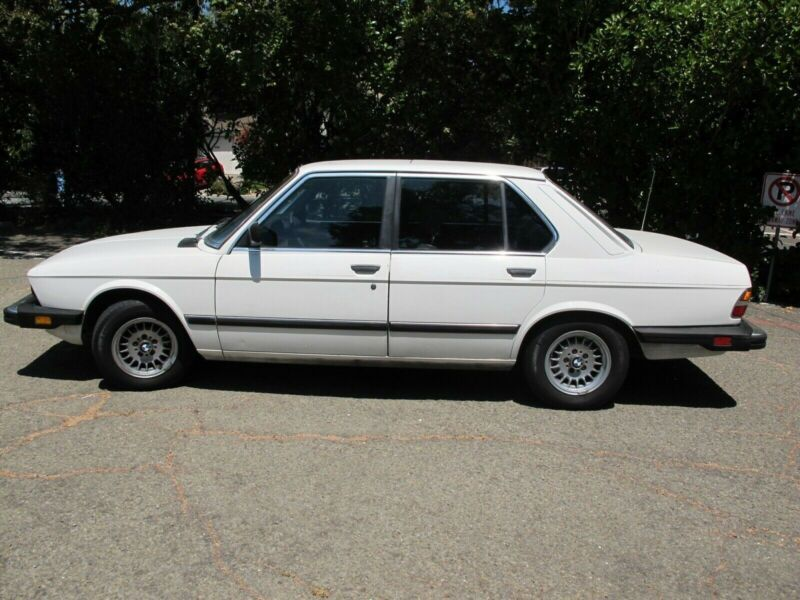 WBADB8401E9220350-1984-bmw-5-series