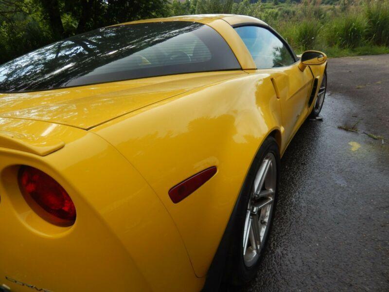1G1YY26E465127140-2006-chevrolet-corvette