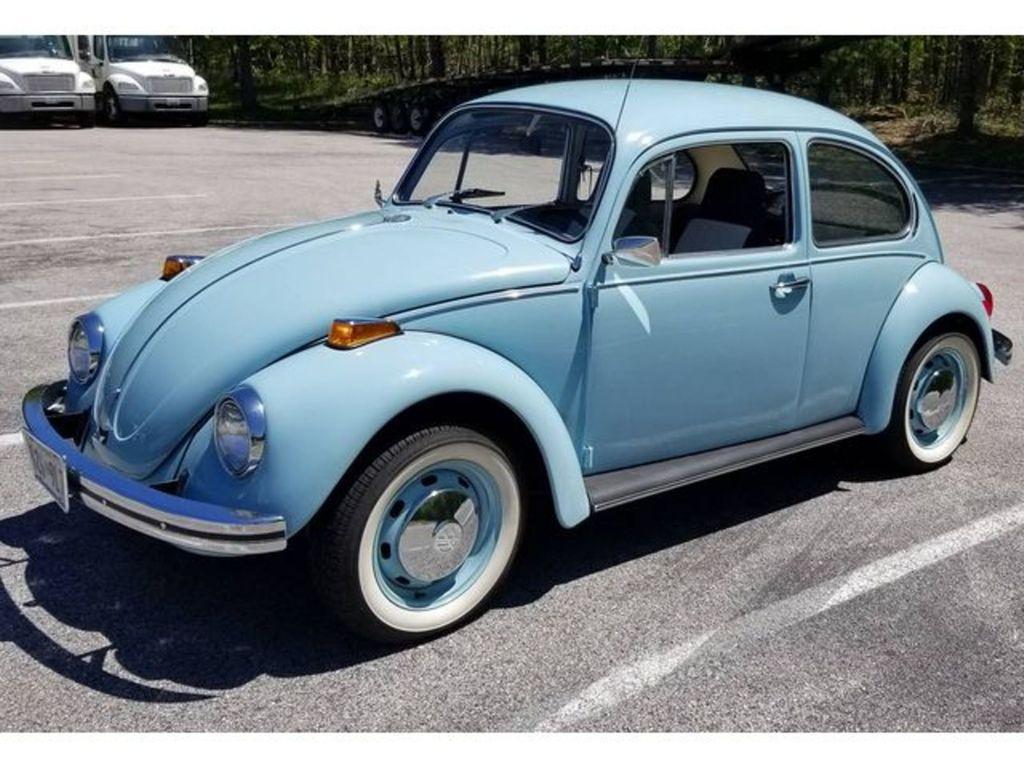 1122917828-1972-volkswagen-beetle